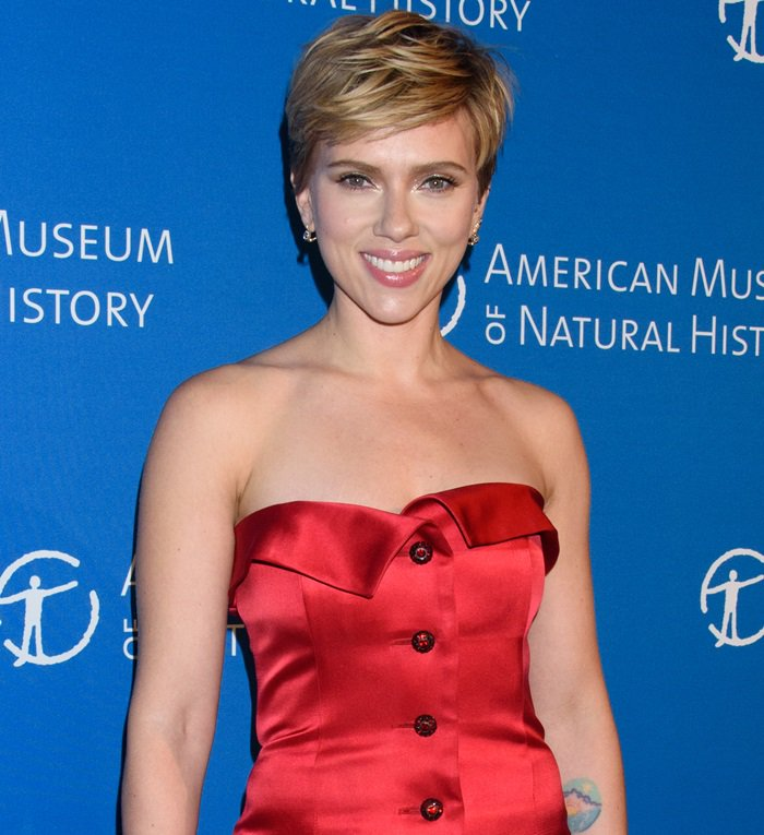 Scarlett Johansson attending the American Museum of Natural History's 2017 Museum Gala in New York City on November 30, 2017
