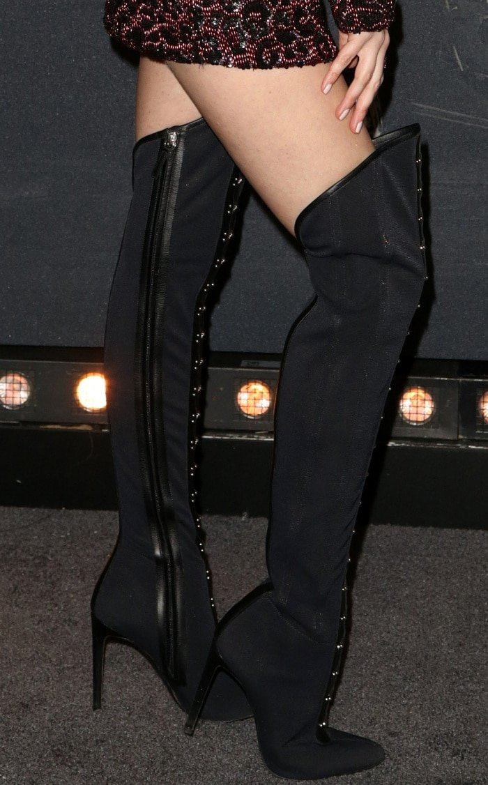 """Anna Kendrick wearing Giuseppe Zanotti """"Janice High"""" over-the-knee boots at the """"Pitch Perfect 3"""" premiere"""