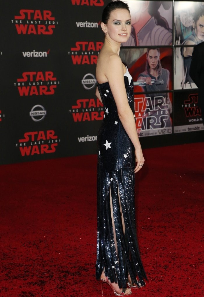 Daisy Ridley In Streamlined Heels At Star Wars The Last