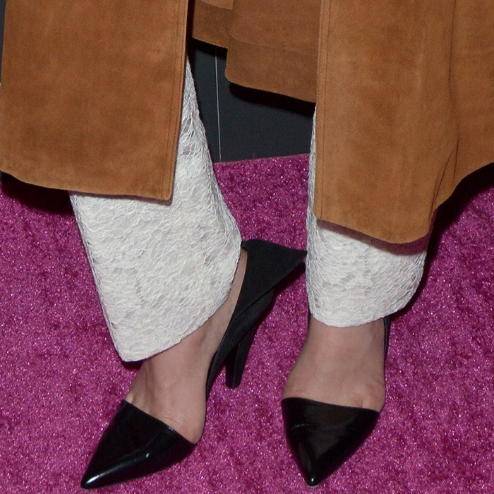 """Margot Robbie wearing Calvin Klein 205W39NYC black pointy-toe pumps at the """"I, Tonya"""" screening in New York City"""