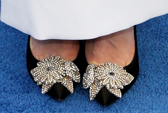 """The actress added some sparkle to her look with a pair of Sophia Webster """"Lilico"""" pumps"""
