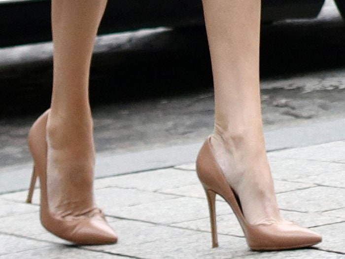 Closeup of Angelina Jolie's Jimmy Choo 'Anouk' beige leather pointy-toe pumps.
