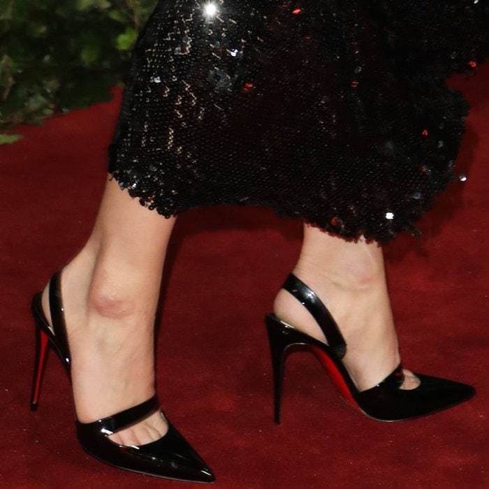 Billie Piper with toe cleavage in Christian Louboutin shoes