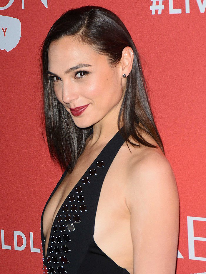 "Gal Gadot at the at the launch of Revlon's ""Live Boldly"" campaign held at Skylight Modern in New York City on January 24, 2018."