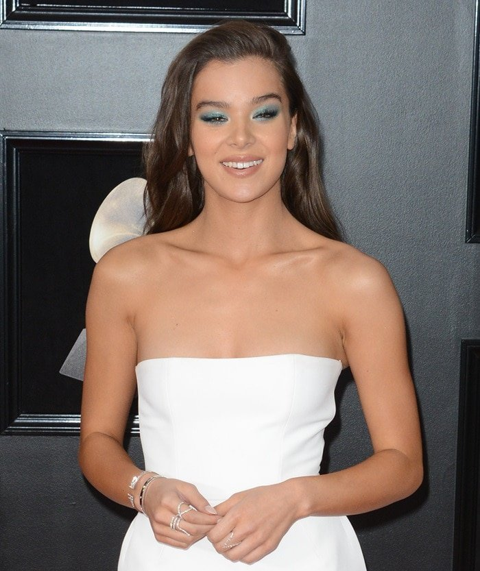 Hailee Steinfeld in a stunning Alexandre Vauthier gown at the 2018 Grammy Awards held at Madison Square Garden in New York City on January 28, 2018
