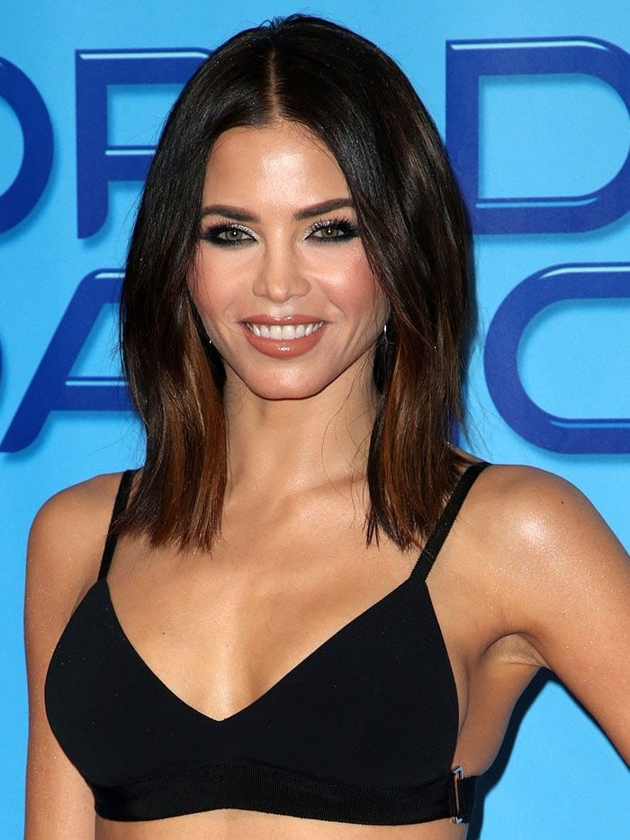 Jenna Dewan Tatum mirrored her ensembles's high-fashion heavy-duty vibe in her kohl eyeliner and sparkly silver eyeshadow makeup