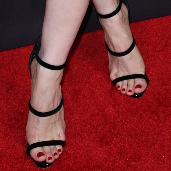 Jessica Chastain showing off her feet in Giuseppe Zanotti's 'Harmony Velvet' sandals