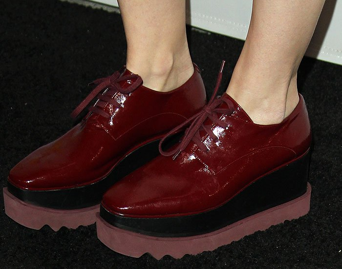 Kate Mara's Stella McCartney 'Elyse' oxblood-patent platform oxfords up close.