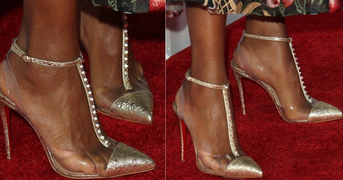 237f49de0379 Kerry Washington s Pumps With Spikes and Gold Slice Earrings