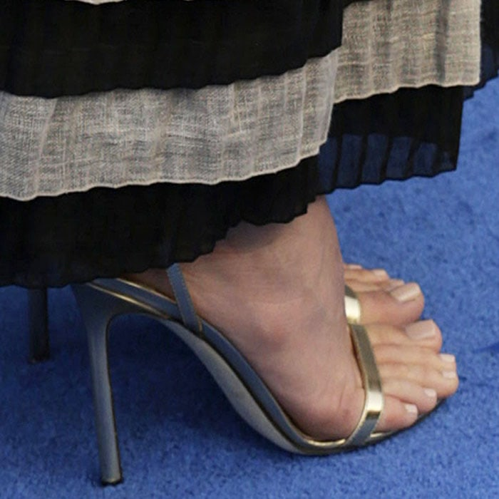 """Margot Robbie shows off her feet in classic Jimmy Choo """"Minny"""" sandals"""