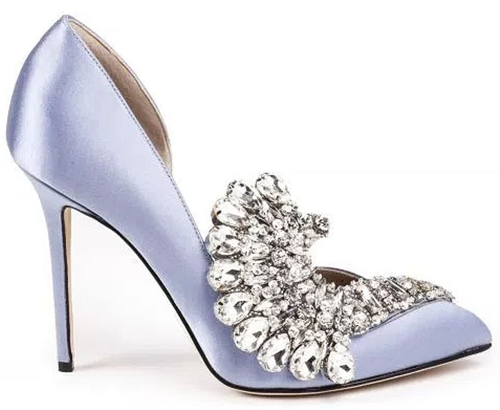 Glittering with a swirl of faceted crystals, Iris Opulence emanates glamour