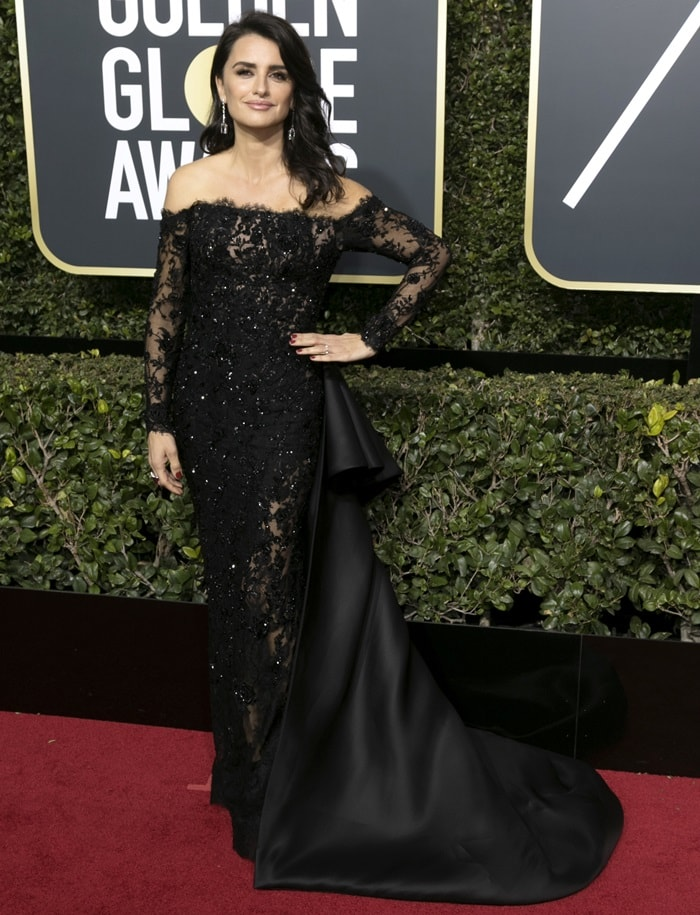 Penelope Cruz in a sparkling embellished gown by Ralph & Russo at the 2018 Golden Globe Awards held at the Beverly Hilton Hotel in Beverly Hills, California, on January 7, 2018