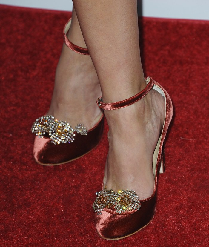 Reese Witherspoon showing off her feet in rust velvet Chloe Gosselin 'Helix' pumps