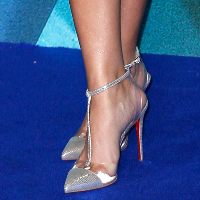 Reese Witherspoon's sweaty feet in clear pumps