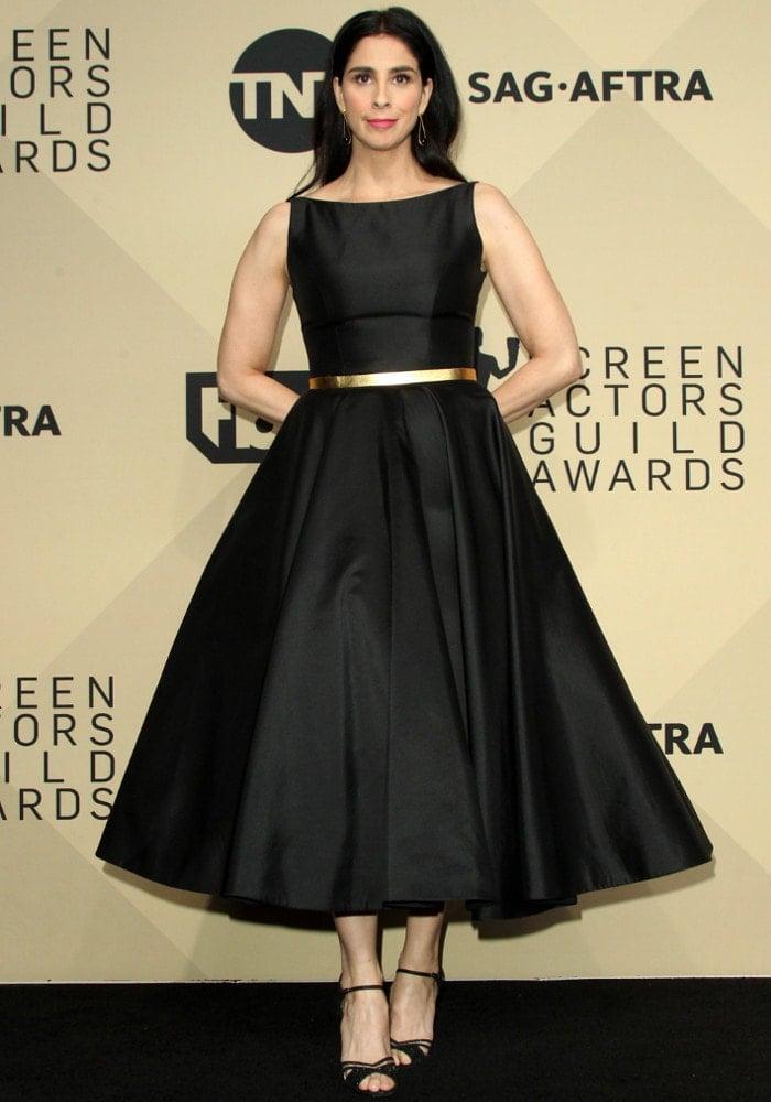 Sarah channels 20's elegance in a Romona Keveza dress