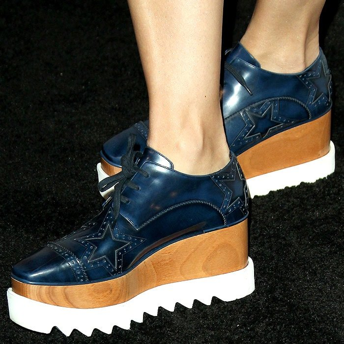 Selma Blair wearing Stella McCartney 'Elyse' blue burnished-leather platform oxfords with star cutouts.