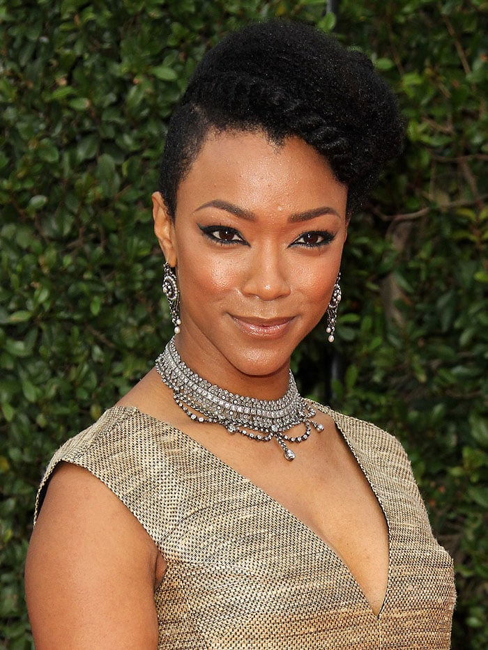 Sonequa Martin-Green's Neil Lane diamonds dripping from her ears and neck
