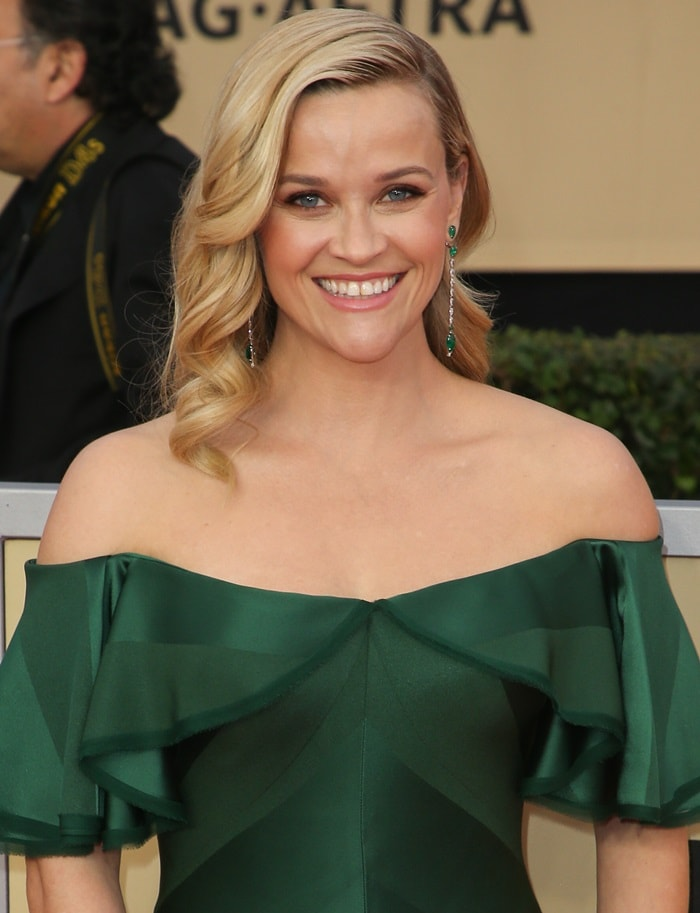 Reese Witherspoon wearing an off-the-shoulder Zac Posen gown at the 2018 Screen Actors Guild Awards at the Shrine Auditorium in Los Angeles on January 21, 2018