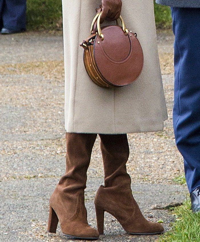 Meghan Markle toting Chloé's 'Pixie' suede and textured-leather shoulder bag
