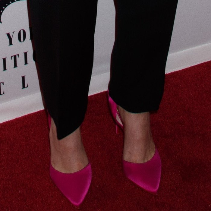 """Saoirse Ronan wearing hot pink Christian Louboutin """"Douce du Desert"""" pumps at the 2018 New York Film Critics Circle Awards"""