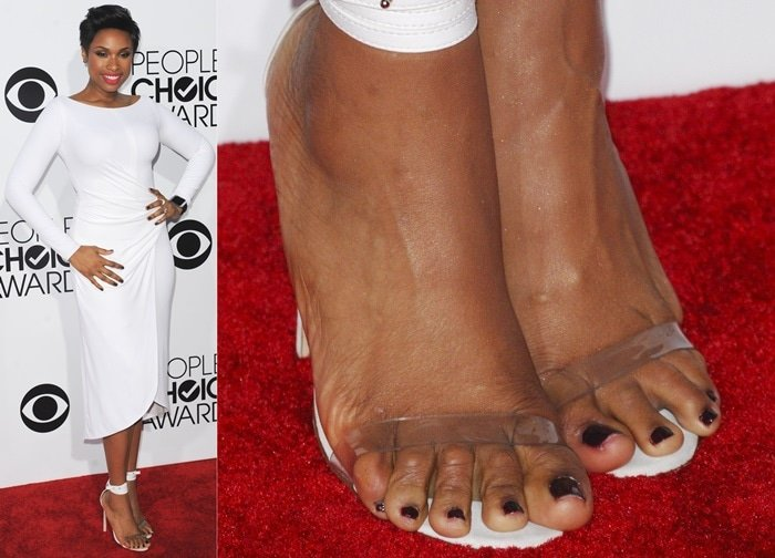 Jennifer Hudson showing off her popcorn feet in Manolo Blahnik strappy sandals at the 2014 People's Choice Awards held at the Nokia Theatre L.A. Live in Los Angeles on January 8, 2014