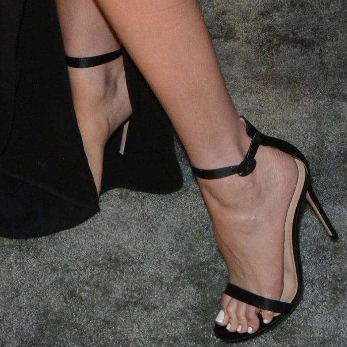Olivia Culpo showing off her feet in Gianvito Rossi 'Portofino' sandals