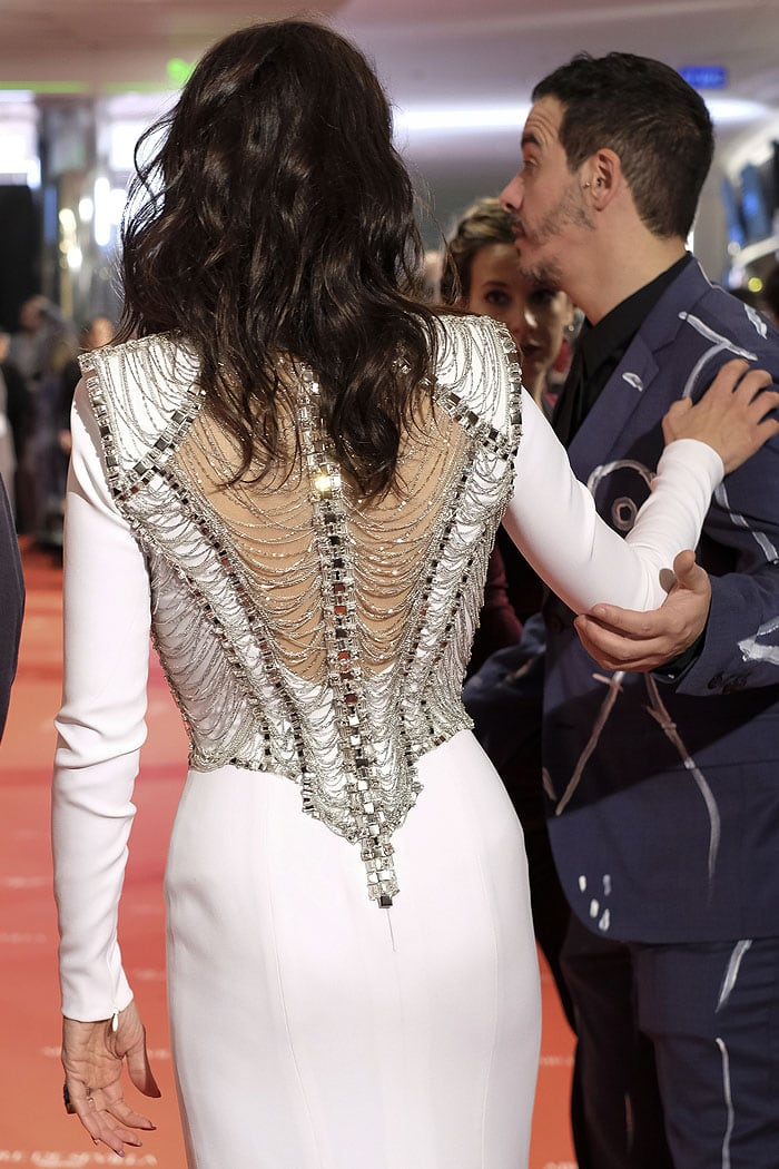 Back of Penelope Cruz's white Atelier Versace dress.