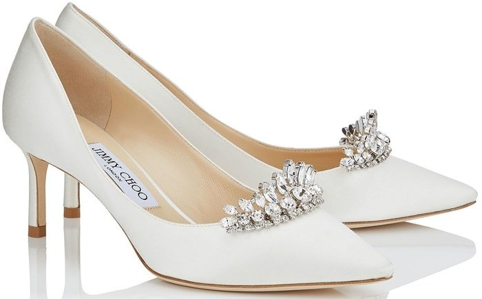 This pointy toe pair is finished with a crystal tiara piece which elegantly adorns the upper giving a multifaceted glow