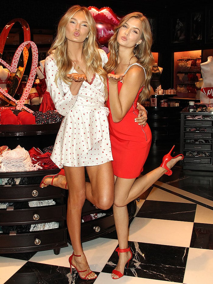 Romee Strijd and Josephine Skriver giving the cameras kissy faces.