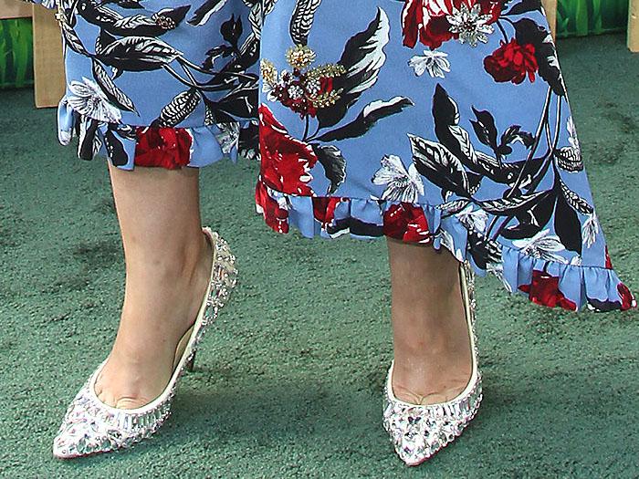Details of the Jimmy Choo 'Tia' Swarovski-crystal-embellished pumps on Rose Byrne.
