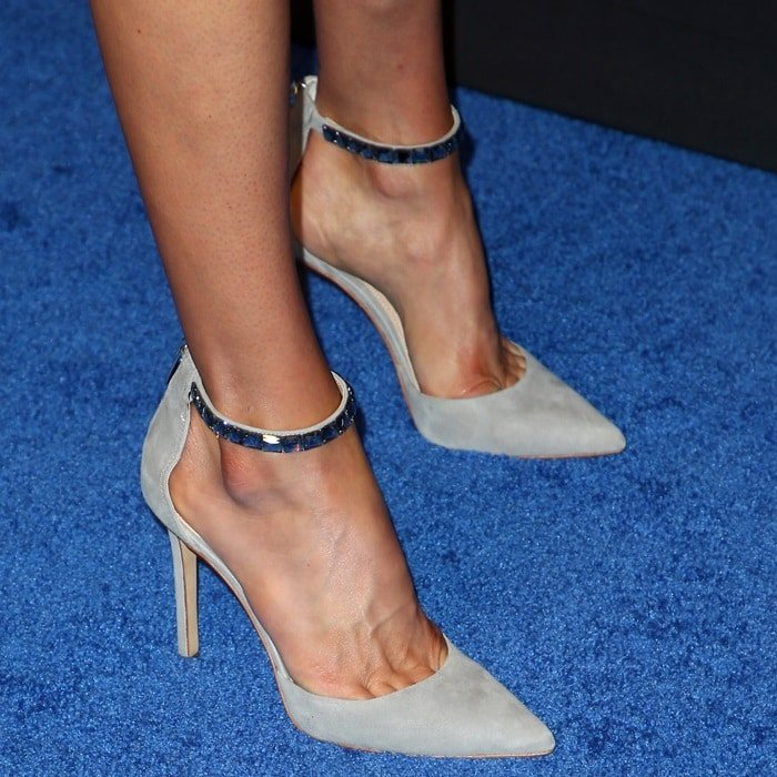 Adrianne Palicki's toe cleavage in suede pointy-toe pumps