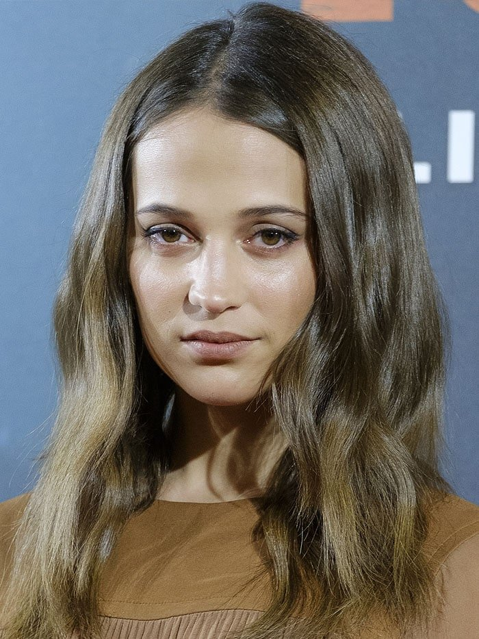 "Alicia Vikander at the ""Tomb Raider"" Madrid photocall."