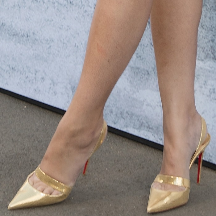 Amber Le Bon showing toe cleavage in Actina heels from Christian Louboutin