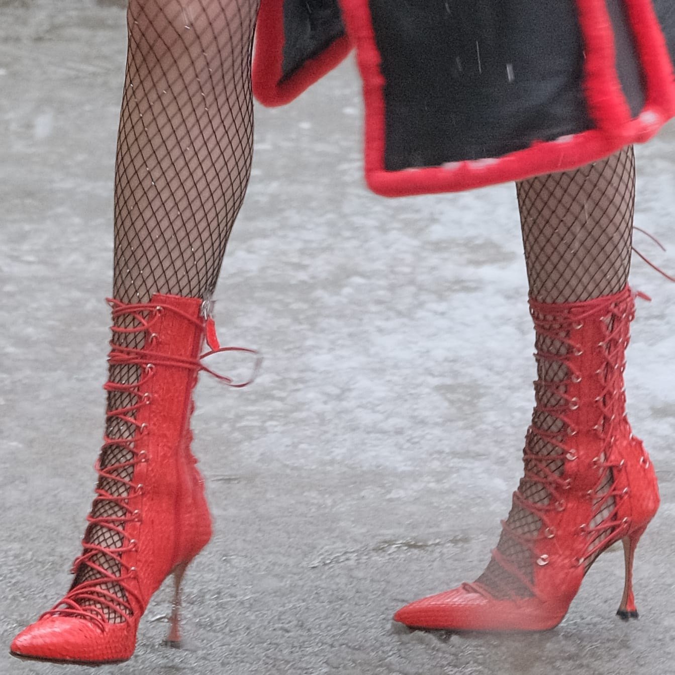 Bella Thorne's red snake 'Drury Lane' boots from Liudmila