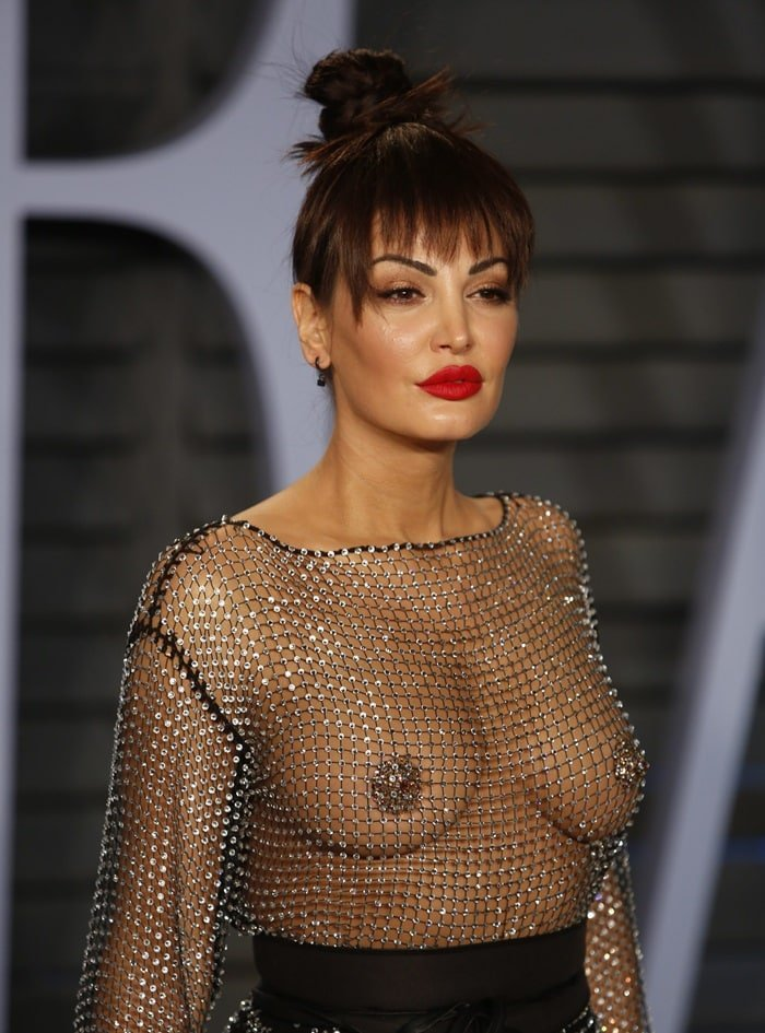 Bleona Qereti goes braless at Vanity Fair Oscars bash