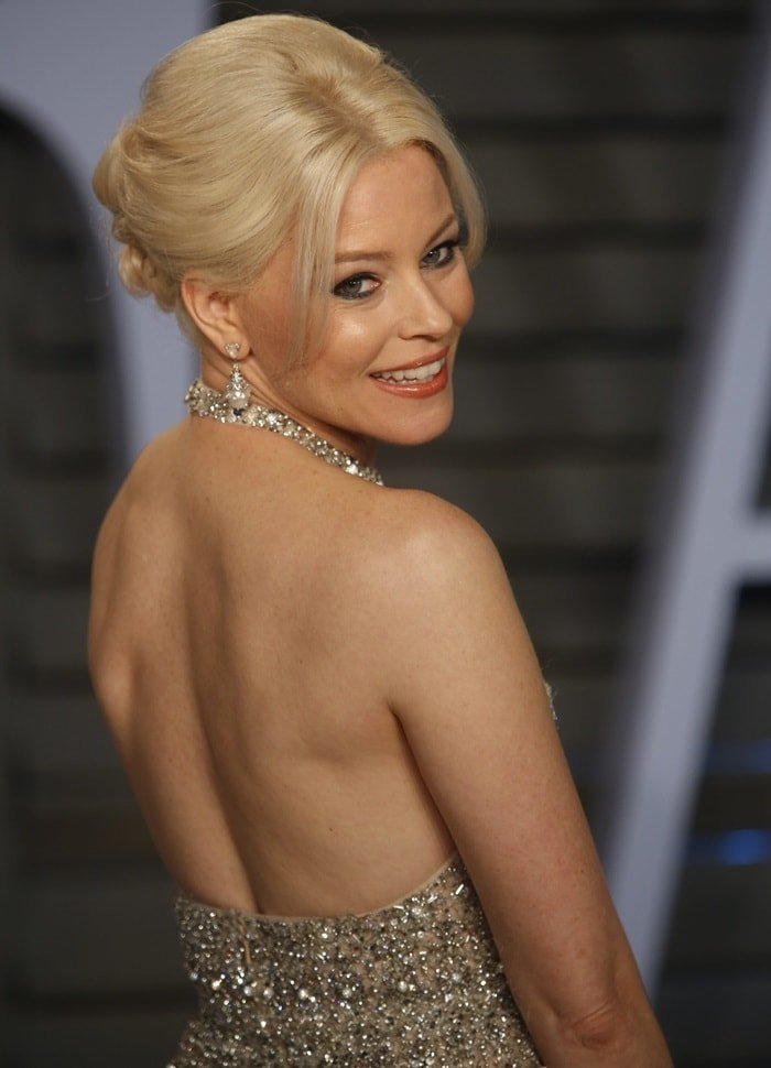 Elizabeth Banks in a silver beaded fringe midi dress from the Ralph & Russo Spring 2018 Couture collection