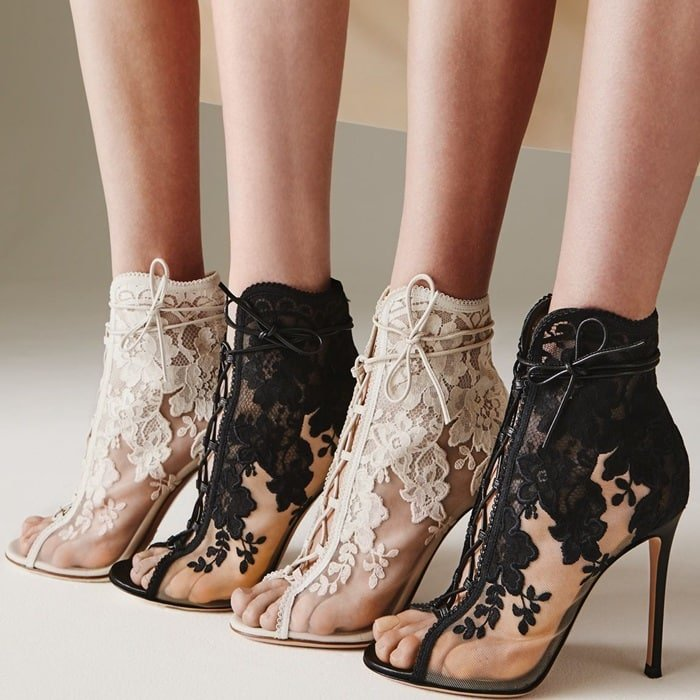 Theembroidered lace sets the mood for Gianvito Rossi's SS18 collection