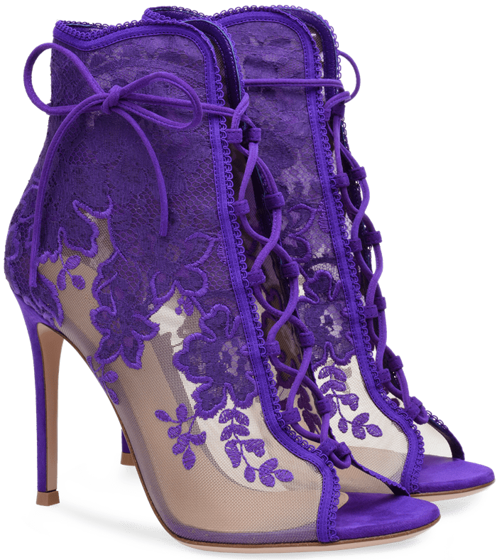 On a stiletto heel of 105 mm, this bootie portrays a lingerie innuendo, protagonist in Gianvito Rossi's spring summer collection