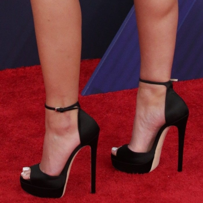 Halsey's feet in black platform 'Max' sandals by Jimmy Choo