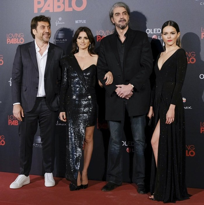 Javier Bardem, Fernando Leon de Aranoa, Penelope Cruz, and Julieth Restrepo at the premiere of their latest film 'Loving Pablo'