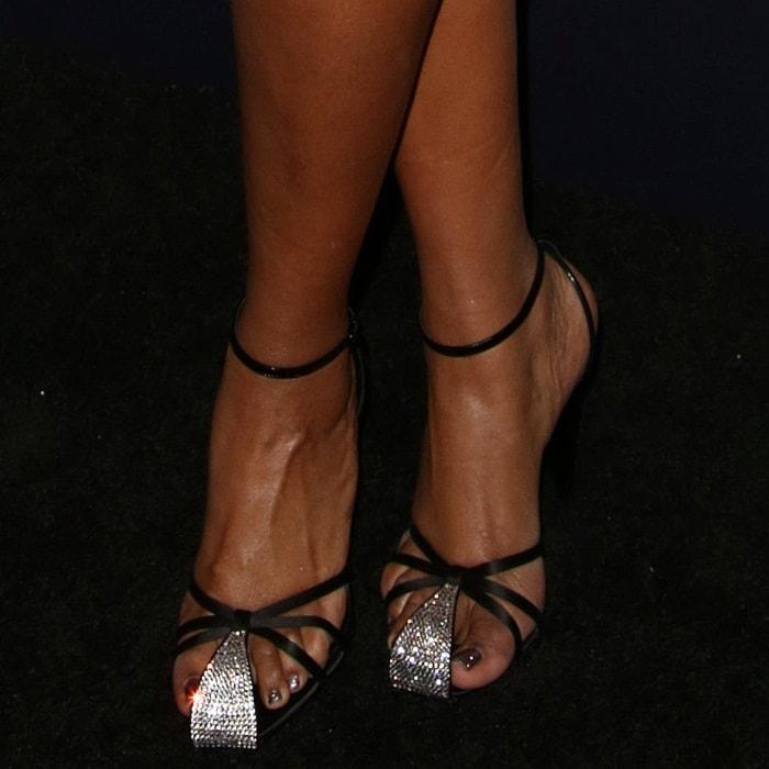 Jennifer Hudson hides her corns in Saint Laurent 'Era' sandals