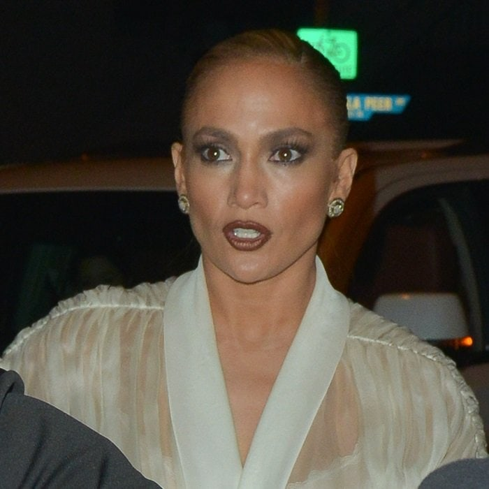 Jennifer Lopez's charcoal grey smokey eye and heavily contoured complexion
