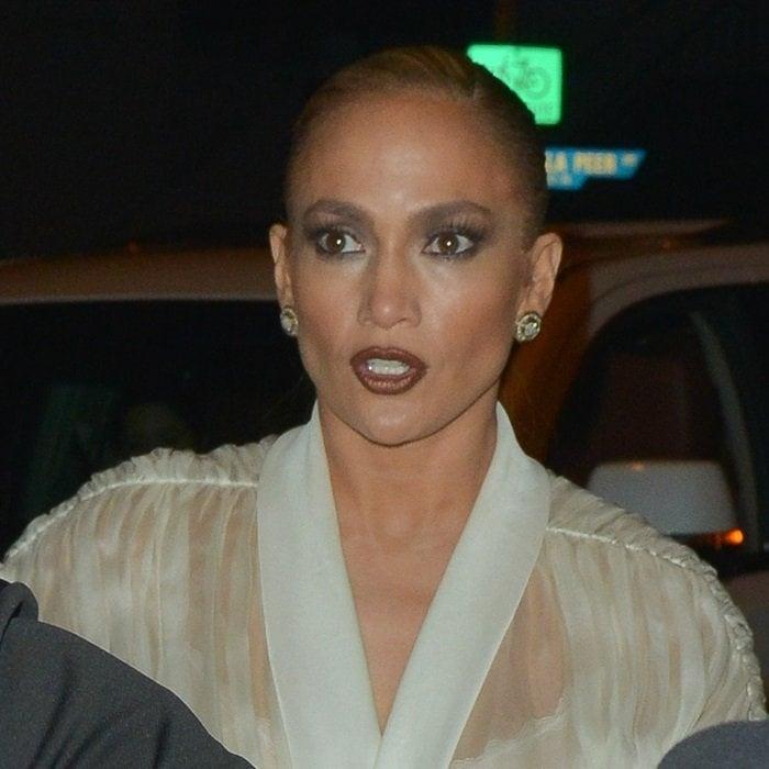 Jennifer Lopez's charcoal grey smokey eye and heavily contoured complexion