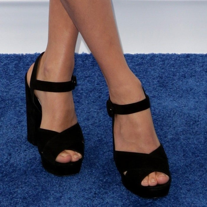 Margot Robbie's toned legs and toes in Prada platform sandals
