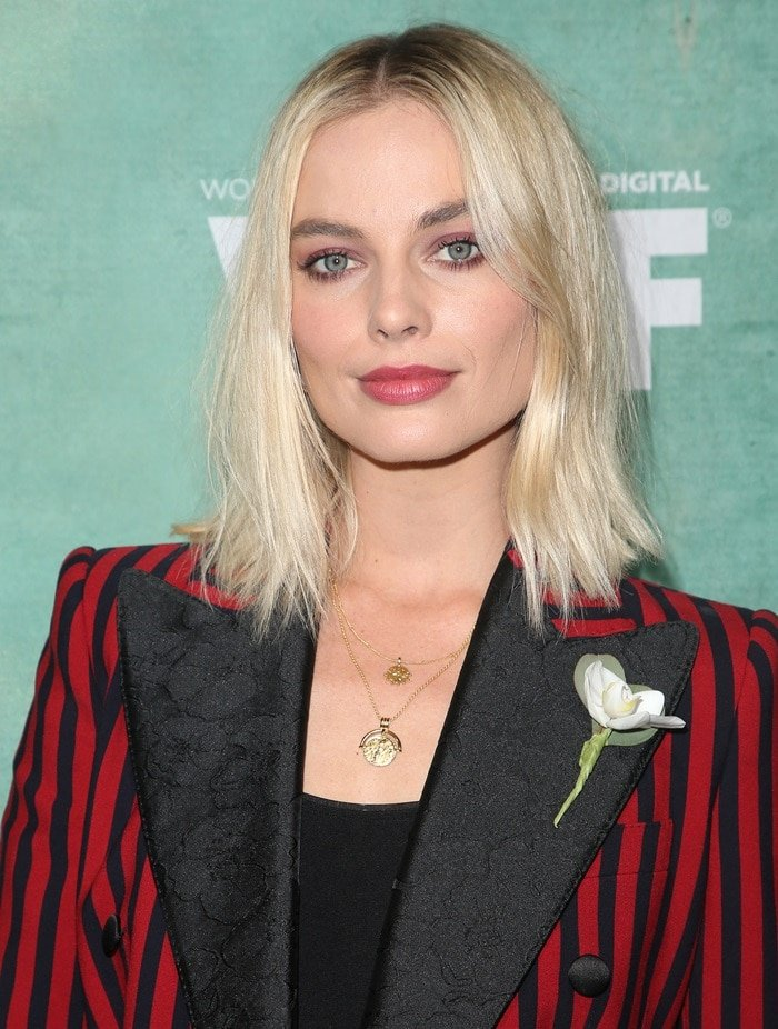 Margot Robbie looked so chic while celebrating female Oscar nominees