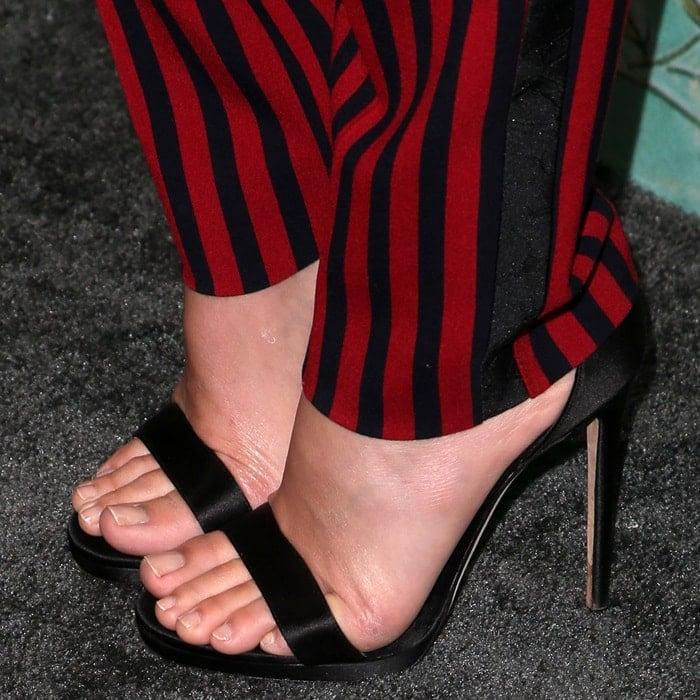 Margot Robbie's pretty feet in Jimmy Choo sandals