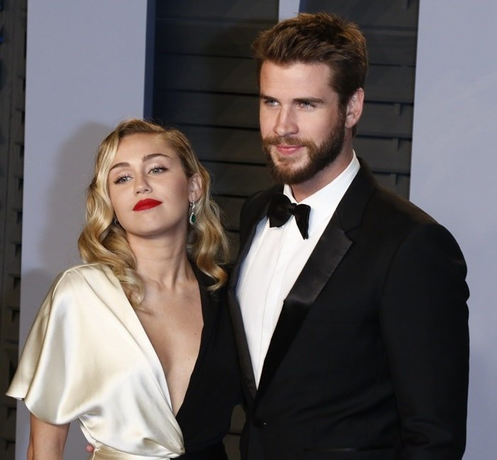 Miley Cyrus and her fiancé Liam Hemsworthat the 2018 Vanity Fair Oscar Party