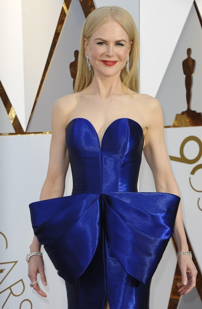 Nicole Kidman wearing a royal blue Armani Privé gown