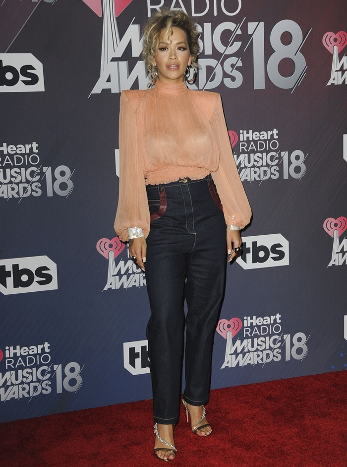 Rita Orain stunning'Chateau' 105 embellished leather sandals atthe 2018 iHeartRadio Music Awards