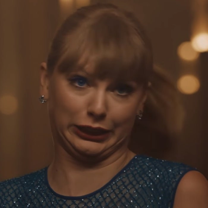 Taylor Swift making a goofy face